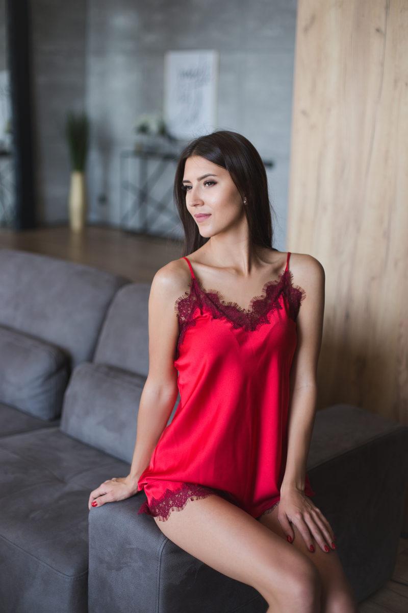 naiste pidzaama punane